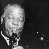 Image of Sidney Bechet linking to their artist page due to link from them being at the top of the main table on this page