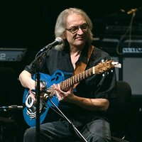 Image of Sonny Landreth linking to their artist page due to link from them being at the top of the main table on this page