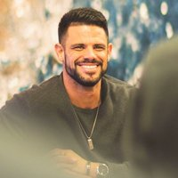 Image of Steven Furtick linking to their artist page due to link from them being at the top of the main table on this page