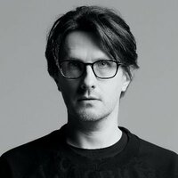 Image of Steven Wilson linking to their artist page due to link from them being at the top of the main table on this page