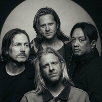Image of Switchfoot linking to their artist page due to link from them being at the top of the main table on this page