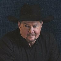 Image of Tracy Lawrence linking to their artist page due to link from them being at the top of the main table on this page