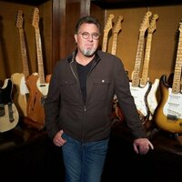 Avatar for the related artist Vince Gill