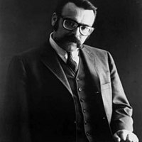 Image of Vince Guaraldi linking to their artist page due to link from them being at the top of the main table on this page