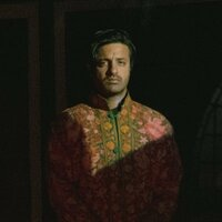 Image of Young the Giant linking to their artist page due to link from them being at the top of the main table on this page