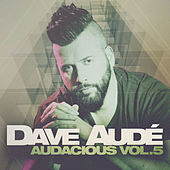Image of Dave Audé linking to their artist page due to link from them being at the top of the main table on this page