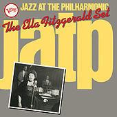 Thumbnail for the Norman Granz - Introduction Of Ella Fitzgerald (Live From Carnegie Hall/1949) link, provided by host site