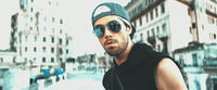 Thumbnail for the Enrique Iglesias - Subeme La Radio Portuguese Remix [Official Video] link, provided by host site