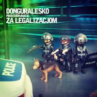 Thumbnail for the Donguralesko - Za legalizacjom (Radio Edit) link, provided by host site